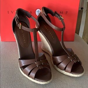 NIB Ivanka Trump dark brown leather wedges 8M